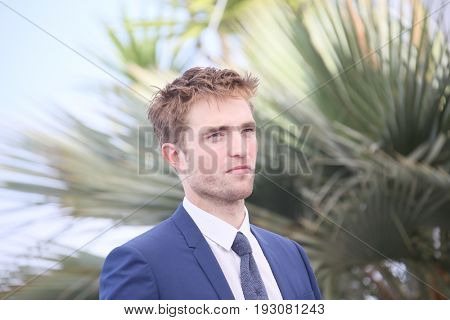 Robert Pattinson attends the 'Good Time' photocall during the 70th annual Cannes Film Festival at Palais des Festivals on May 25, 2017 in Cannes, France.