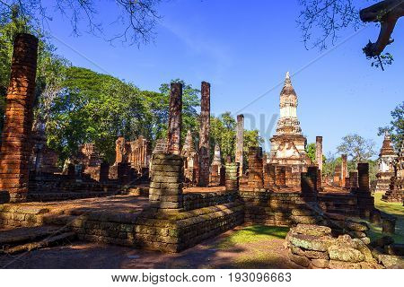 Wat Chedi Chet Thaeo temple and sunlight in Sisatchanalai Historical Park Sukhothai province Thailand