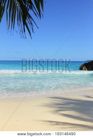 Overhanging Sand Stones