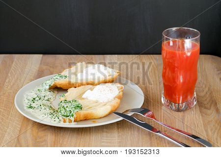 breakfast of bread and juice on plate