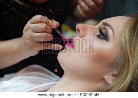 Beautiful Bride Portrait wedding makeup, wedding hairstyle