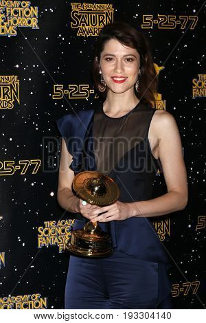 LOS ANGELES - JUN 28:  Mary Elizabeth Winstead at the 43rd Annual Saturn Awards - Press Room at the The Castawa on June 28, 2017 in Burbank, CA