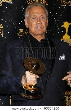LOS ANGELES - JUN 28:  Lee Majors at the 43rd Annual Saturn Awards - Press Room at the The Castawa on June 28, 2017 in Burbank, CA