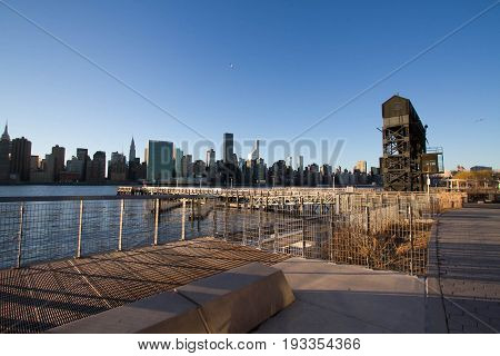 Transfer bridges, support gantries, and piers at Gantry Plaza State Park and Manhattan city