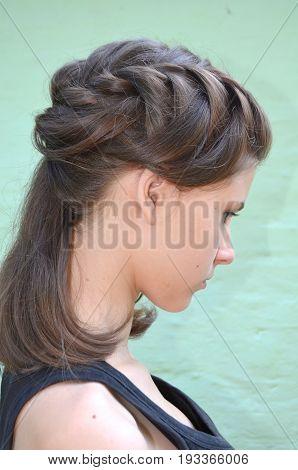 Hairstyle braiding on medium length - Brown hair