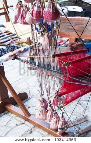 Vietnamese loom for creating things from silk