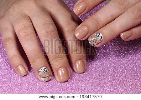 Manicure Design With Beautiful Pattern