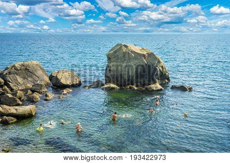 A small stony sandbank on which people bathe. The south coast of Crimea