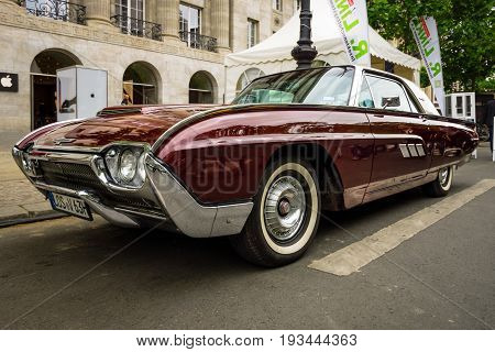 BERLIN - JUNE 17 2017: Personal luxury car Ford Thunderbird (third generation) 1963. Classic Days Berlin 2017.
