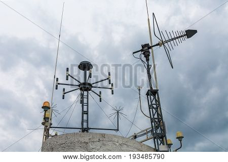 Meteorological device of weather station. Simple telecommunication antenna for data transmission of measurement instruments