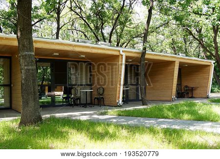 Small numbers for tourists in the form of townhouses on a camp site
