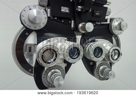 Phoropter  For An Ophthalmic Testing Device