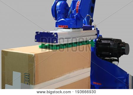 Robot with vacuum suction cups moves the load