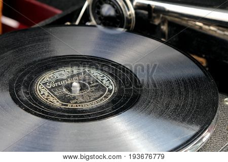 Sandhurst, Surrey, Uk - June 18Th 2017: Shallow Focus Close Up Of A Dusty Old Bing Crosby 78 Vinyl R