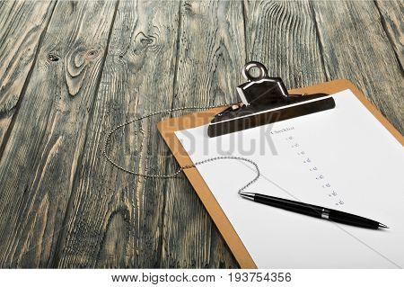 Board blank pen clip clipboard white background