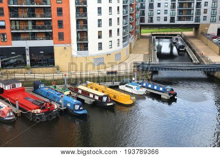 Leeds House Boats