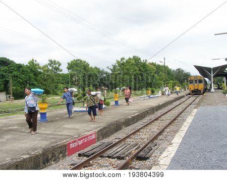 Thn Railcar No.1228 And Train No407.
