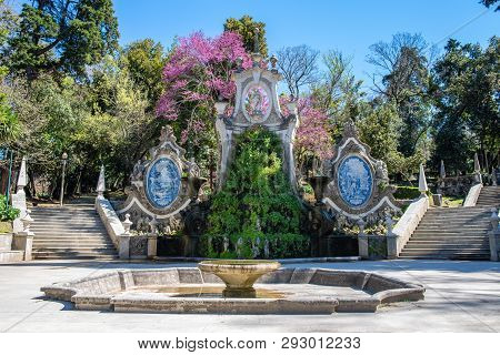 Old Beautifull Fountain A Garden In Coimbra Portugal