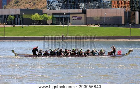 Tempe, Arizona / United States - March 30, 2019: Unnamed Team Races Toward The Finish Line During Th