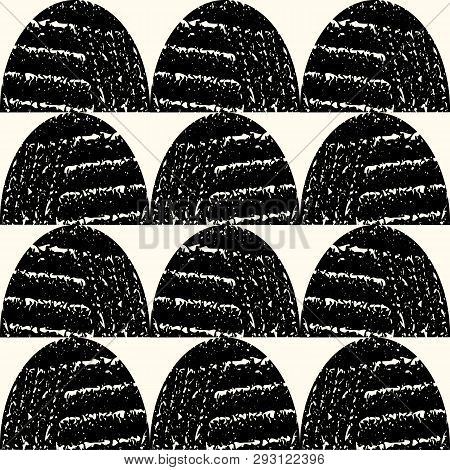 Bold, Contemporary Black And White Textured Semicircles In Geometric Row Design. Vector Seamless Pat
