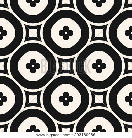 Vector Monochrome Floral Seamless Pattern. Elegant Geometric Background With Big Flower Shapes, Circ