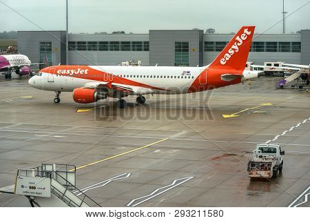 London, United Kingdom - February 05, 2019: Easyjet Airbus A 320 - 214 Waits At Ltn Airport. Easy Je