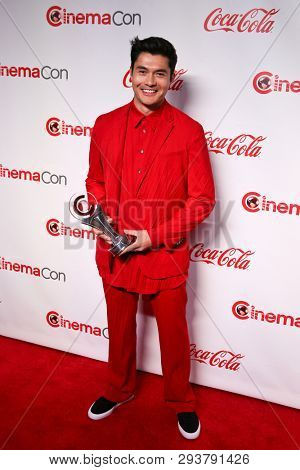 LAS VEGAS - APR 4: Henry Golding attends The CinemaCon Big Screen Achievement Awards at OMNIA Nightclub at Caesars Palace during CinemaCon on April 4, 2019 in Las Vegas, Nevada.