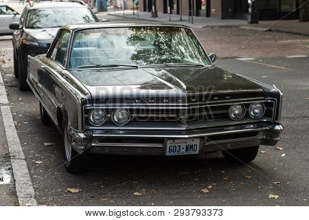 Seattle, Washington, Usa - October 18, 2019: Chrysler Classic Car In A Street Next To Occidental Squ