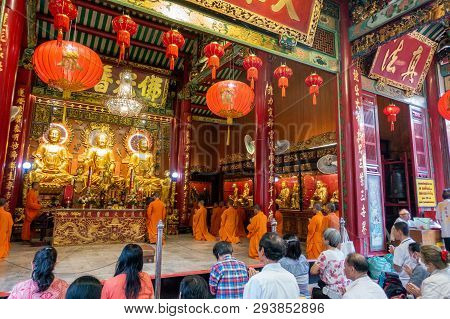 Bangkok, Thailand - 27 January 2019: Local Chinese Thai People With Monk Worship In Temple At Wat Ma