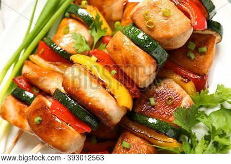 Delicious Chicken Shish Kebabs With Vegetables And Parsley On Plate, Closeup