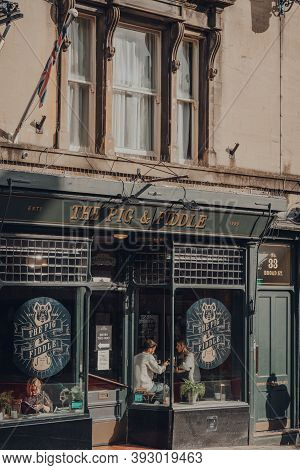 Bath, Uk - October 04, 2020: Exterior Of The Pig & Fiddle English Pub In Bath, The Largest City In T