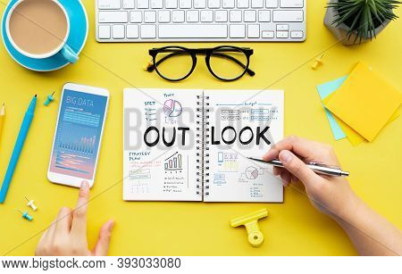 Business Outlook Of Goal And Planning Project Concepts.marketing Strategy.top View