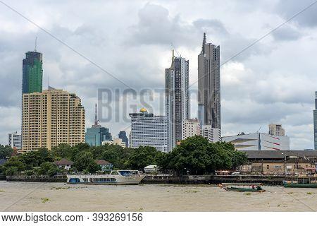 Bangkok.thailand - 20,08,2018 :bangkok City With Sunset Sky And Chao Praya River.bangkok Thailand