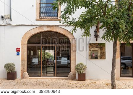 Campos, Balearic Islands/spain; Novemeber 2020: Sa Creu Nova Hotel's Facade. Rustic And Urban Hotel
