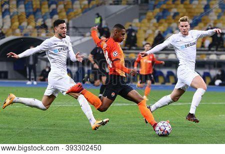 Kyiv, Ukraine - November 3, 2020: Tete Of Shakhtar Donetsk (c) Kicks A Ball During The Uefa Champion