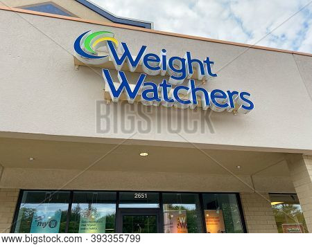 Springfield, Il/usa-10/2/20: A Weight Watchers Franchise In Springfield, Illinois.