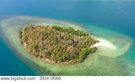 Tropical Island With Sandy Beach On The Zamboanga Peninsula. Simoadang Island. Mindanao, Philippines