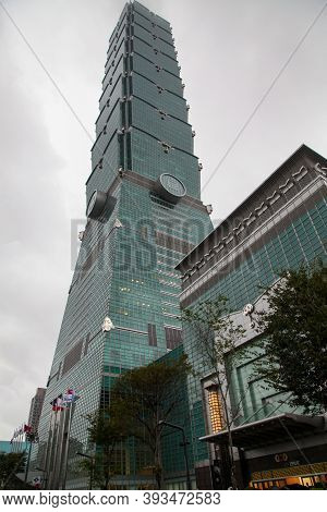 Taipei,taiwan-october 17,2018:the Landmark 101 Building Is The Tallest At Taiwan In The Rainny Day.