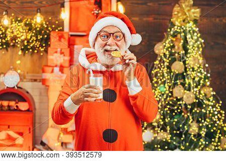 Santa Claus With Beard And Mustache. Santa Claus In Hat. Christmas For Santa Claus. Santa Claus Enjo