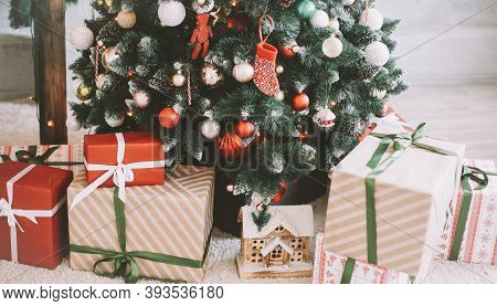 Christmas Home Interior. Christmas Tree Toys And Gifts. New Year Home Decorations.