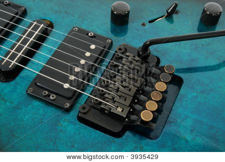 Electric Guitar Tremolo System