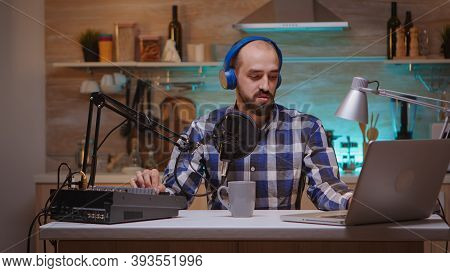 Online Show Of Influencer On-air Speaking Professional Microphone. Creative Online Show On-air Produ