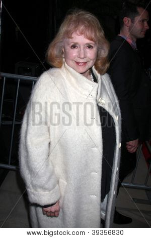 LOS ANGELES - NOV 20:  Piper Laurie arrives at the Los Angeles  'Hitchcock' Premiere at Academy of Motion Pictures Arts and Sciences on November 20, 2012 in Beverly Hills, CA