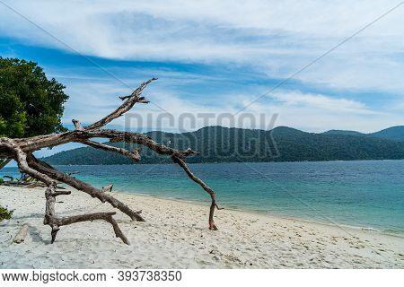 Tranquil White Sand (sai Kha) Beach With In Ra Wi Island, Southern Of Thailand.