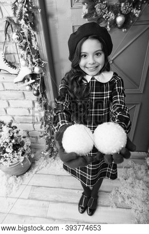 Time To Share. Smiling Parisian Child In Beret And Gloves. Winter Activity. Christmas Shopping. Smal