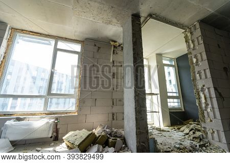 Small Apartment Without Repair In A New Building. A Room In An Unfinished House. Walls Of Foam Block