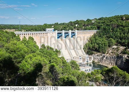 Dam On The River Jucar, Just 6 Kilometres Away From Alarcon, A Famous Medieval Town In Cuenca, Casti