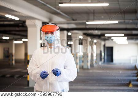 Coronavirus Covid-19 Virus Disease Pandemic Outbreak,uk Nhs Ems Key Medical Worker In Personal Prote