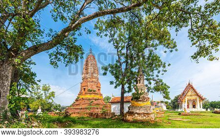 Wat Phra Si Rattana Mahathat, Over 600 Year Old Of The Old Temple At Suphanburi Province Of Thailand