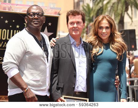 LOS ANGELES - MAY 23:  Simon Fuller, Randy Jackson & Jennifer Lopez arrives to the Walk of Fame Ceremony for Simon Fuller  on May 23, 2011 in Hollywood, CA